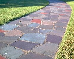 Как подобрать материал для садовой дорожки?